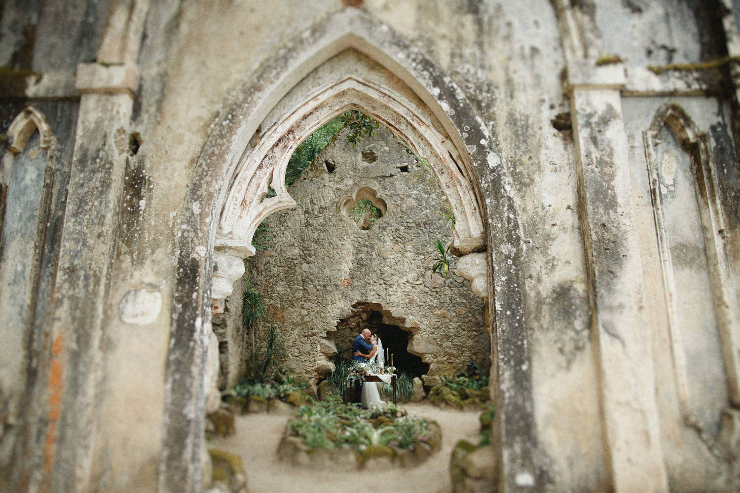sintra ruins elopement photographer