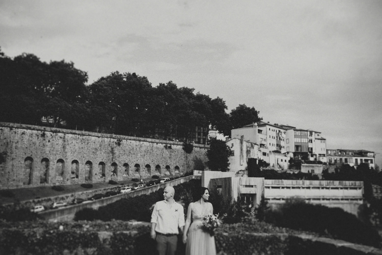 boho wedding portrait at jardim dos virtudes porto