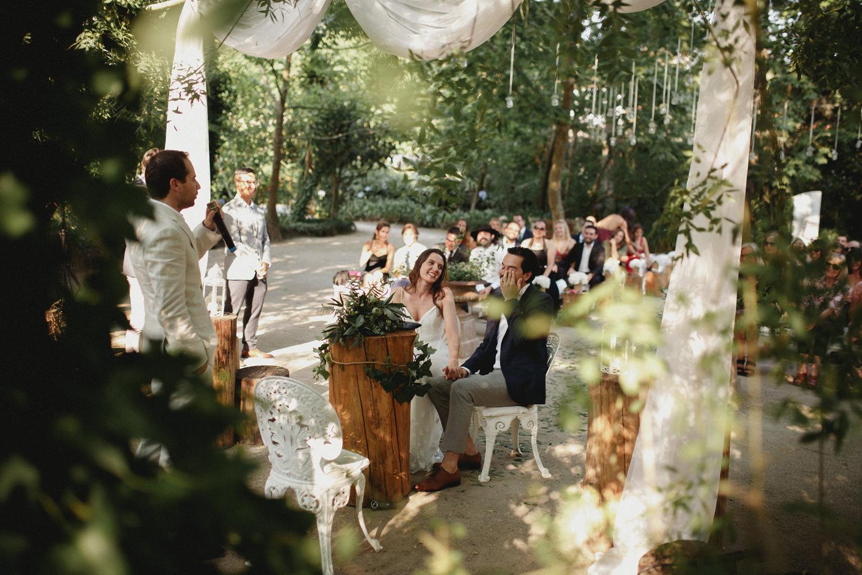 emotional outdoor wedding ceremony in quinta do hespanhol portugal