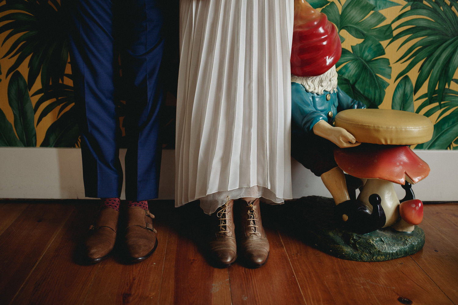 quirky details on a portuguese wedding celebration in lisbon