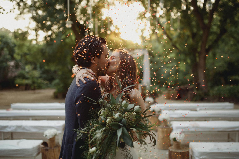 confetti kiss at quinta do hespanhol wedding venue portugal