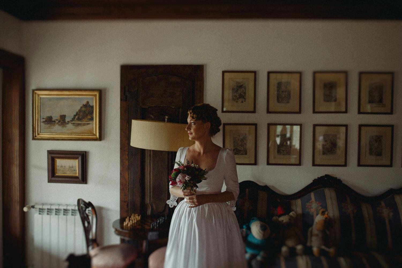 bride before portugal wedding ceremony